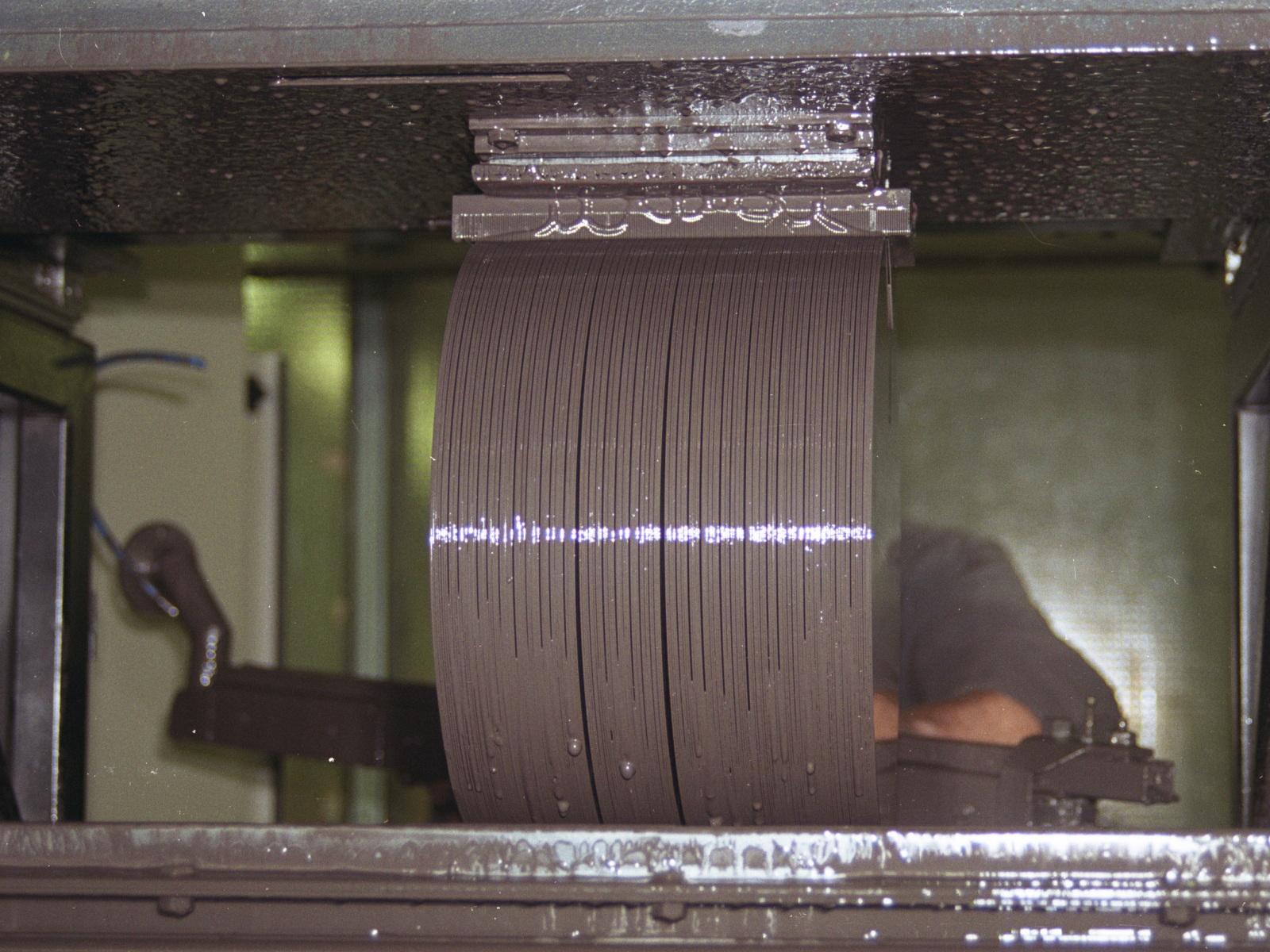 Silicon ingot slicing
